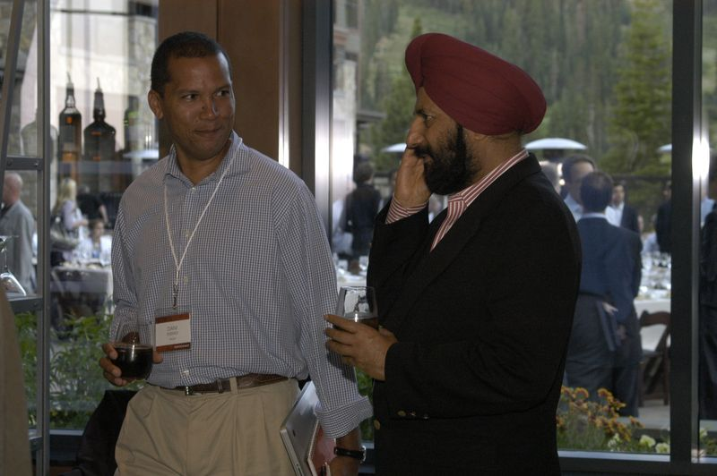 Dan Essindi with Satjiv Chahill from HP